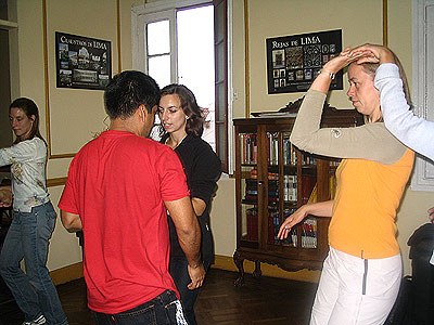 Spanish students in Peru taking latin dance lessons